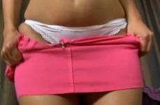 Une grosse salope en jupe