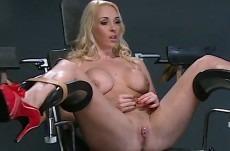 dominee-blonde