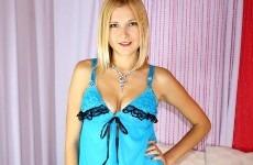blonde-fraiche-21ans